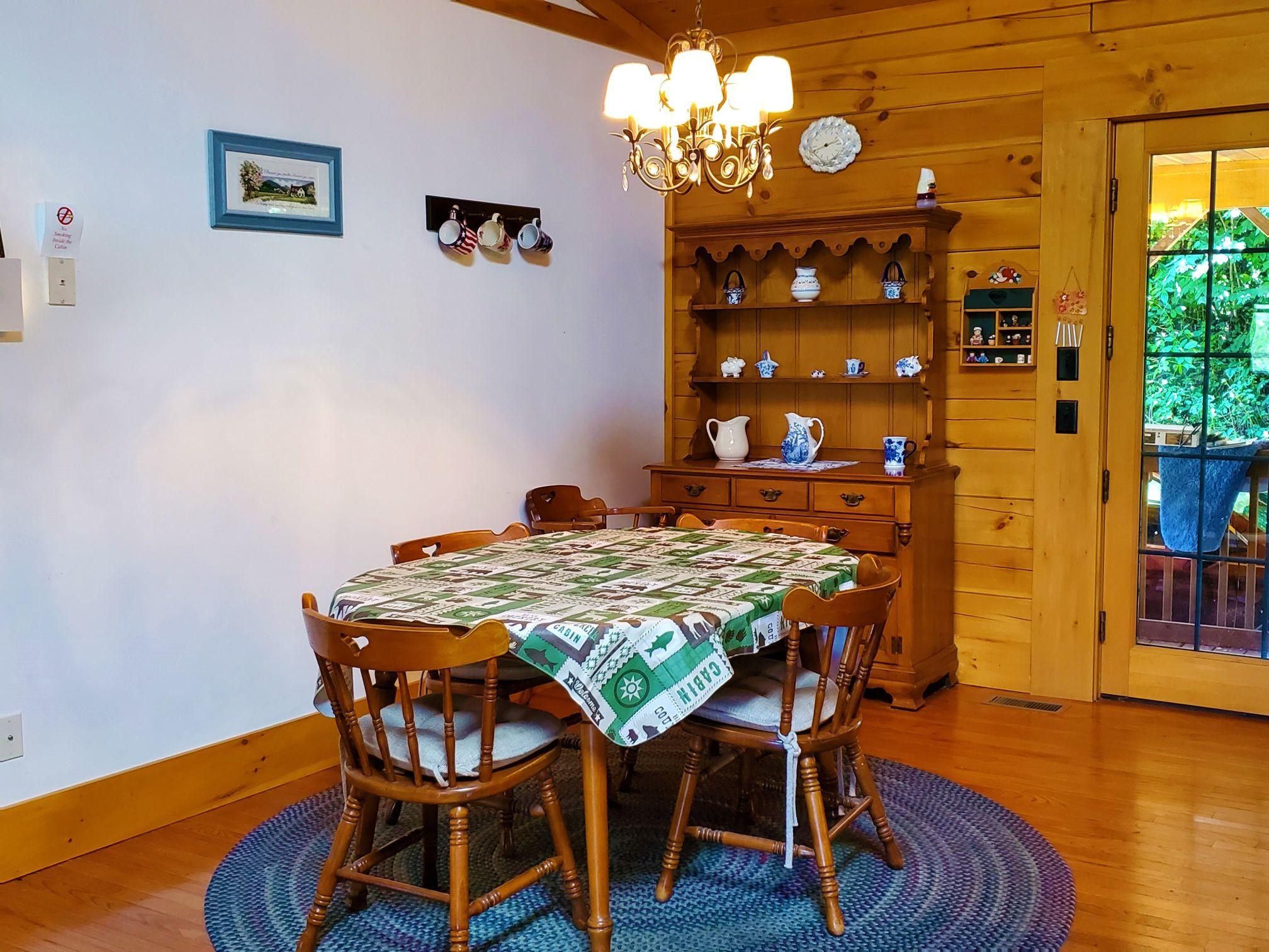 Cabin 5 Dining Room 1