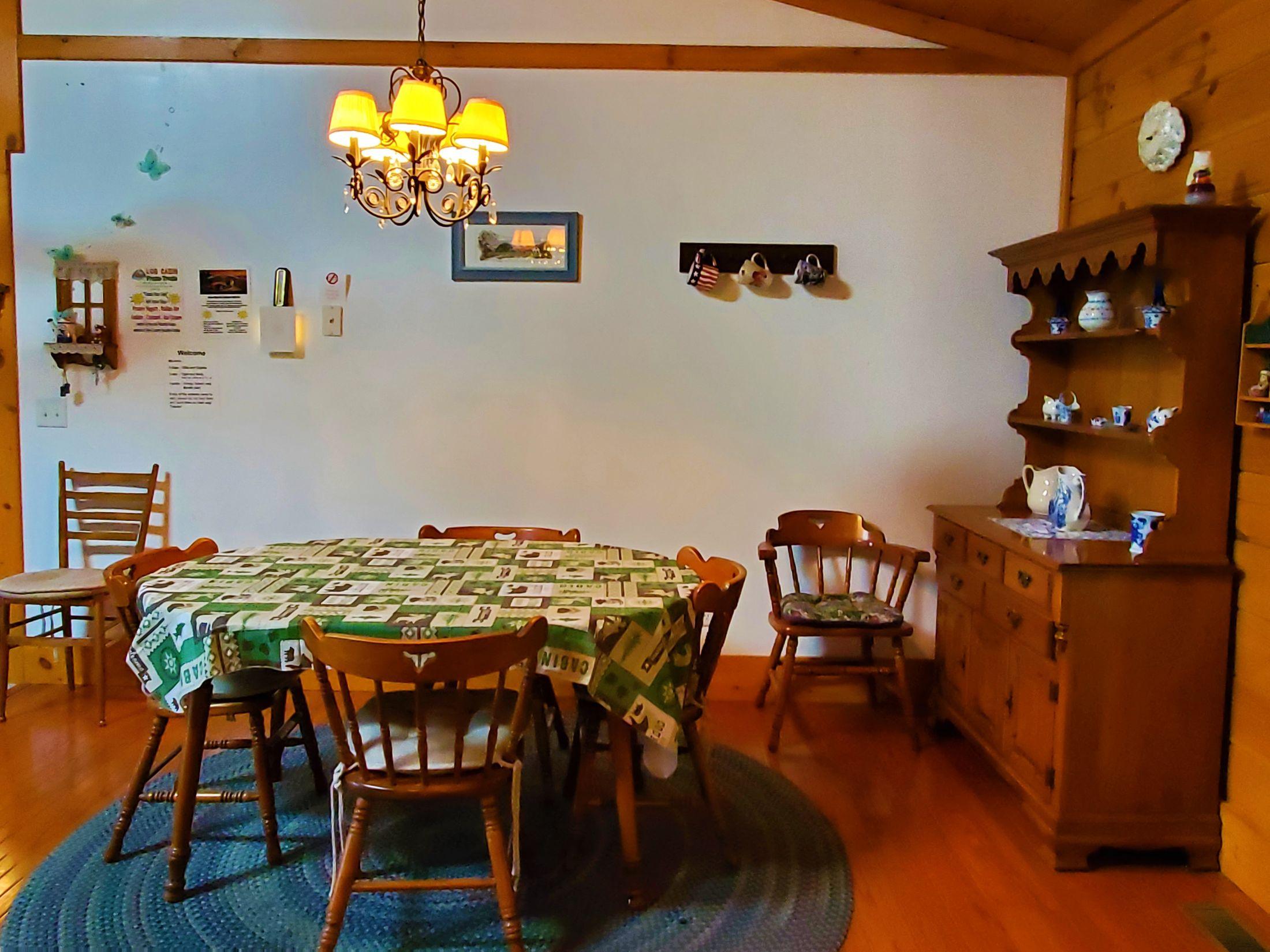 Cabin 5 Dining Room 2