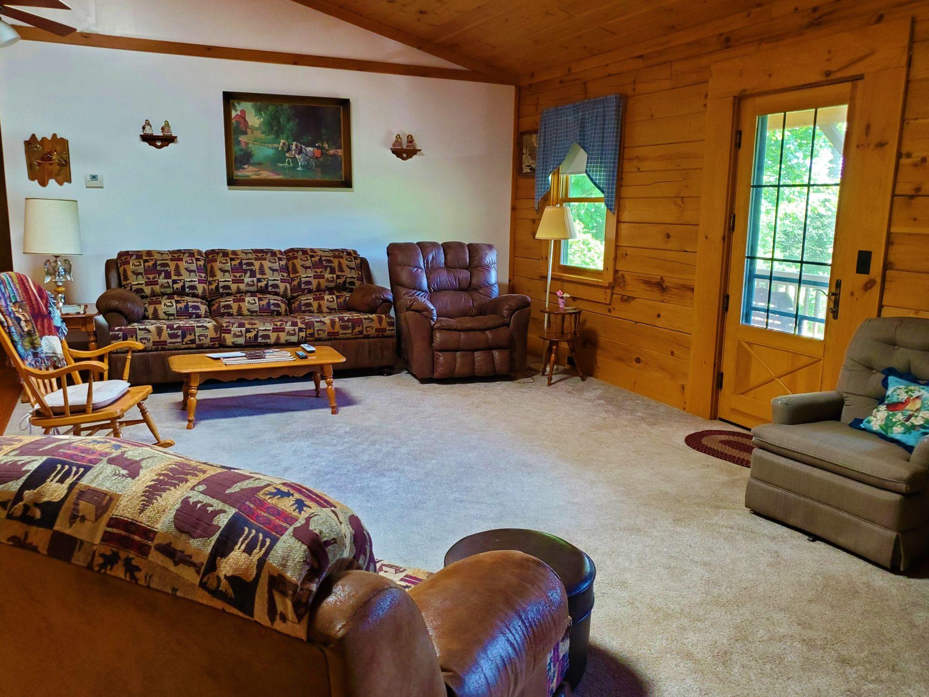 Cabin 5 Living Room 2
